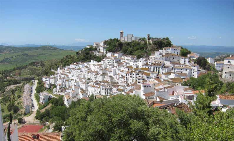 Baños Romanos Andalucia:15 pueblos blancos de España y el extraño caso del pueblo Pitufo, en