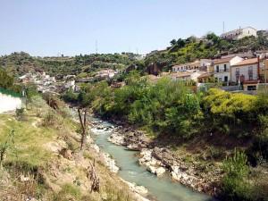 Rio Cubillas a su paso por Pinos Puente