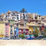 Fachadas pintadas de colores en Villajoyosa, Alicante
