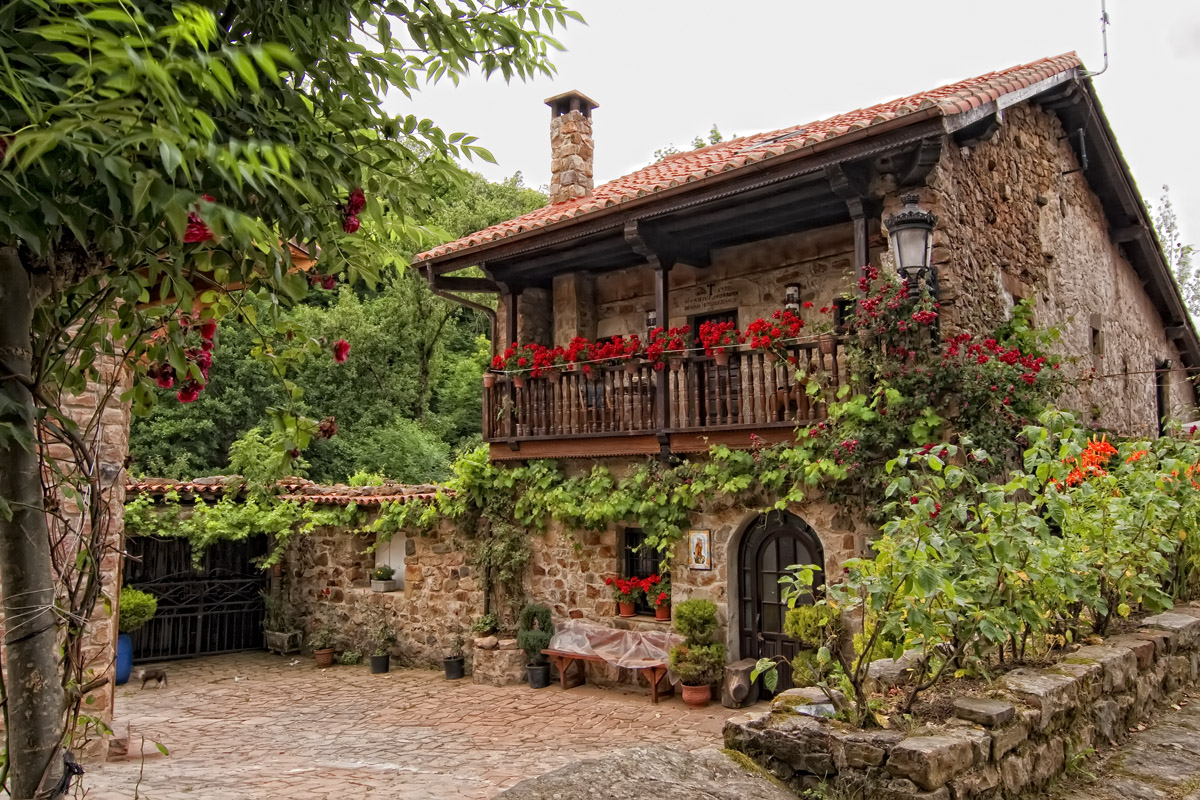 14 charming villages of spain to get lost record go - Casas en pueblos ...