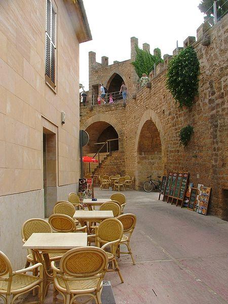 Alcudia: Un recinto medieval