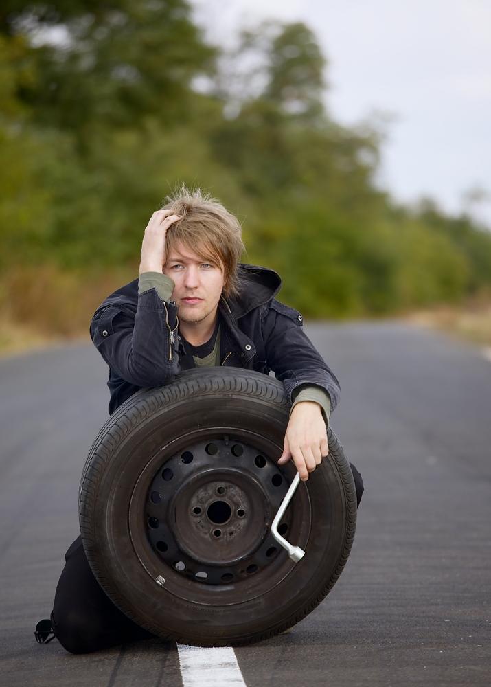 ¿Cómo cambiar una rueda del coche?