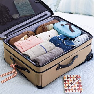 How to pack a suitcase? 5 tips to save room