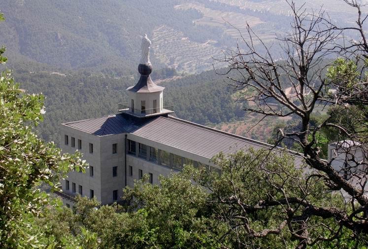 El Parque Natural del Carrascal de la Font Roja: un Bosque Encantado