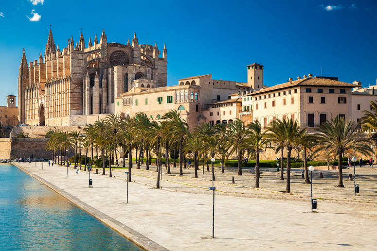 ¿Con qué compañía alquilar coche en Mallorca?