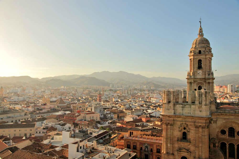 ¿Con qué compañía alquilar coche en Málaga?