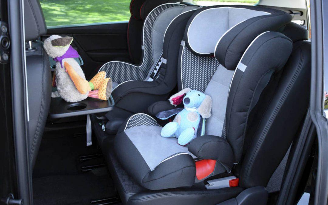 ¿Cómo colocar una sillita de niño en el coche?