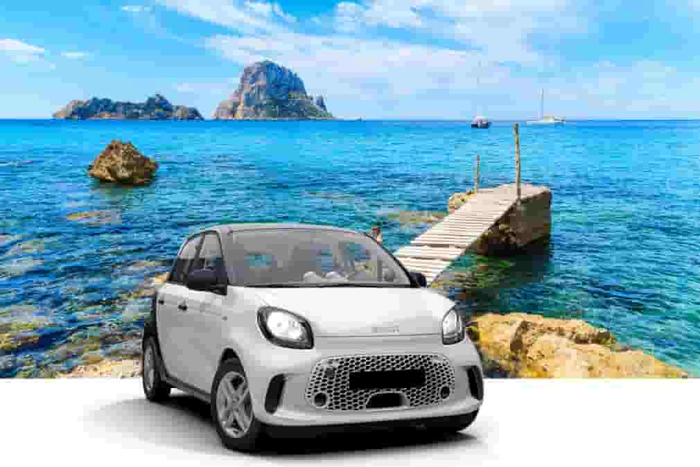 Coche eléctrico de alquiler en Ibiza