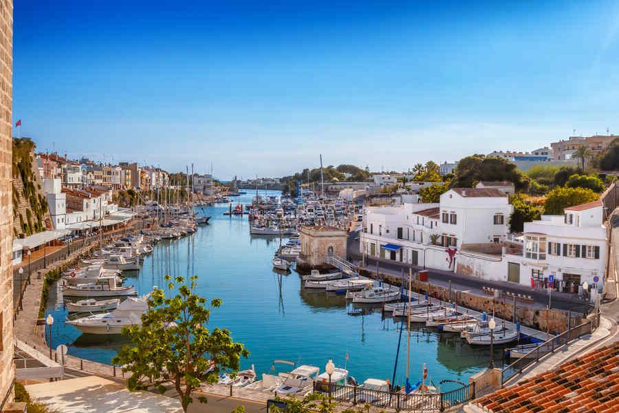 Puerto marítimo de Ciutadella  en Menorca