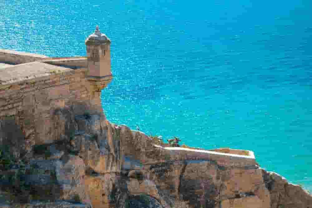 Alicante Sea with car hire with no excess
